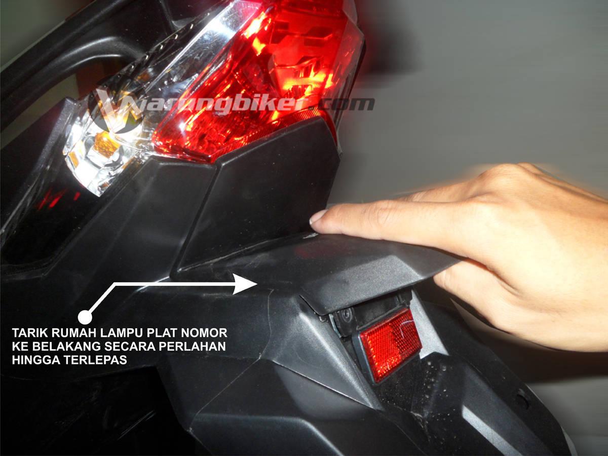 Cara Mengganti Lampu Rem Vario 125 - Vario 150  (2)