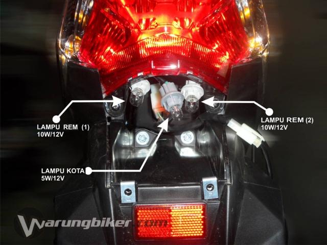 Cara Mengganti Lampu Rem Vario 125 - Vario 150  (5)