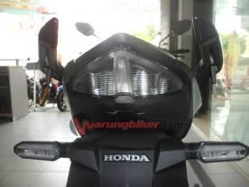 Honda New CB150R Spesial Edition (8)