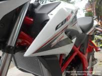 Honda New CB150R Spesial Edition Speedy White (12)