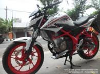 Honda New CB150R Spesial Edition Speedy White (6)