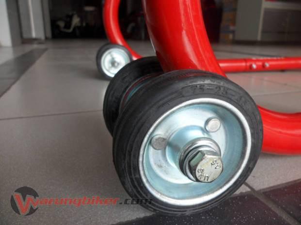 Paddock Stand CBR150R - CBR250R (12)