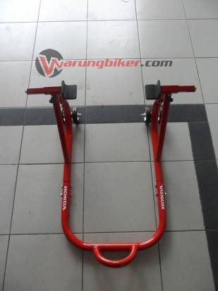 Paddock Stand CBR150R - CBR250R (2)