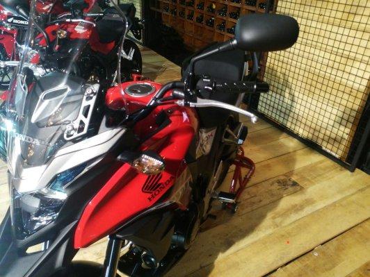 Honda CB650F, CBR500R, CB500F & CB500X (9)