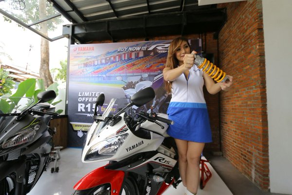 Yamaha R15 Facelift 2016 Spesial Edition 2