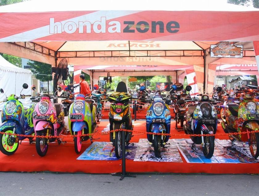 200 peserta testride pertama mendapatkan kupon undian Semarak Kejutan Honda dan Kaos Esklusif 3