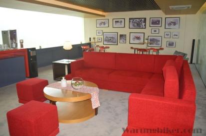 Premium Lounge (1)