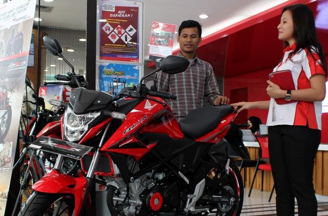 Terjual sebanyak 15.922 unit pada bulan mei 2016, All New Honda CB150R SteetFire Rajai Segmen Sepeda Motor Sport di Tanah Air