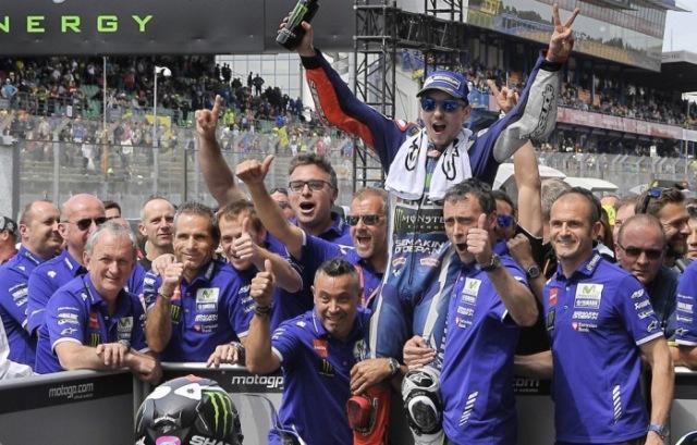 Tim Teknis Lorenzo di Yamaha, Menolak diajak Ke Ducati