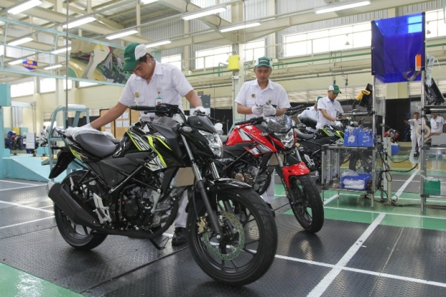 Baju Baru New Honda CB150R StreetFire (4)