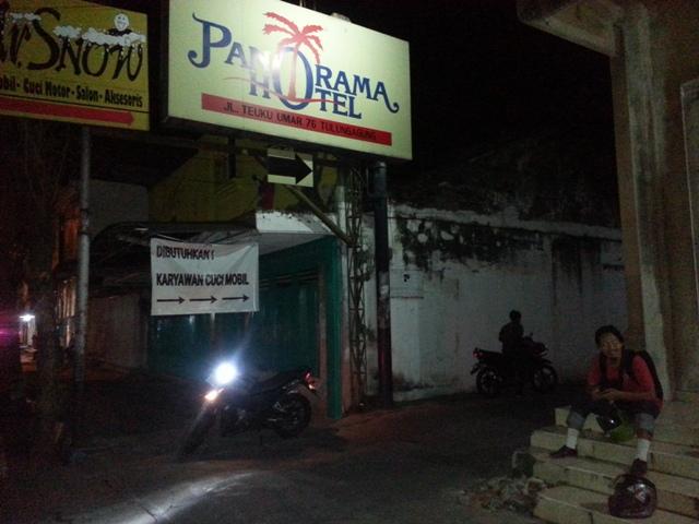 Warungbiker Dan Lek Khoirul Jalan Kaki Lewat Pintu Belakang Hotel Sedangkan Supra GTR 150 Di Bawa Mas Yogi