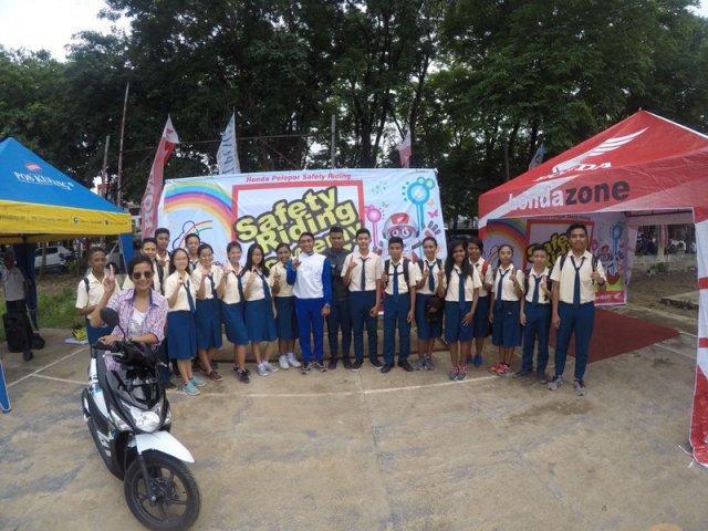 peduli-keselamatan-berkendara-mpm-jatim-gelar-honda-safety-riding-academy-di-kupang-1