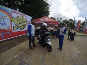 peduli-keselamatan-berkendara-mpm-jatim-gelar-honda-safety-riding-academy-di-kupang-13