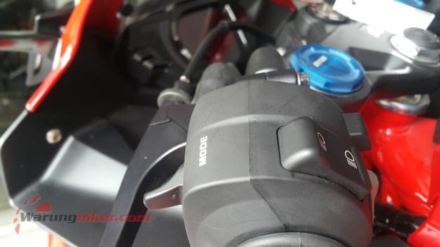 review-harian-cbr250rr-impresi-riding-mode-1