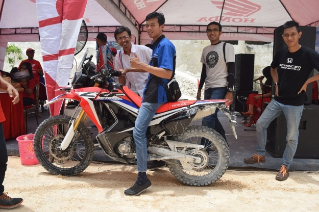 test ride honda CRF250RALLY (1).JPG