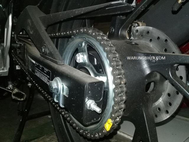Tips Sederhana Merawat Rantai Motor Agar Awet dan Tahan Lama.jpg