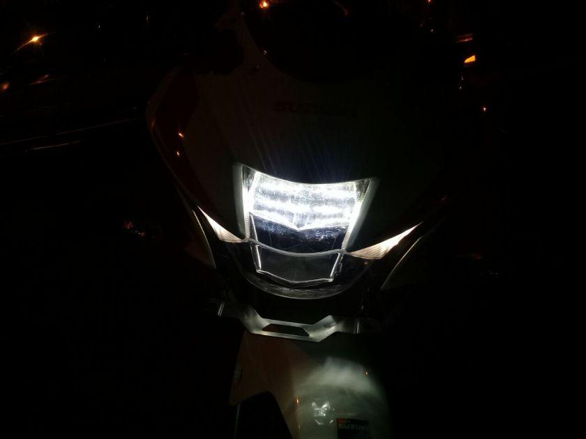Cara Mudah Menyetel Ketinggian Sorot Lampu Depan Suzuki GSX-R150.jpg