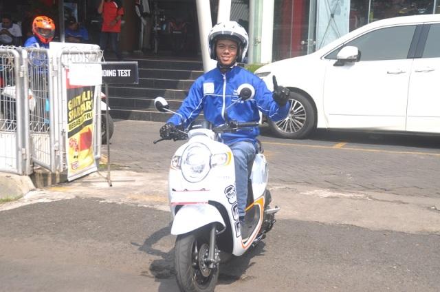 Test Ride All New SCOOPY 2017, Mesin Responsif, makin PEDE diajak Rebahan!