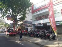 CSR Bersama APM, Kediri Street Fire Club (KSFC) Lakukan Bagi Takjil Gratis (16)