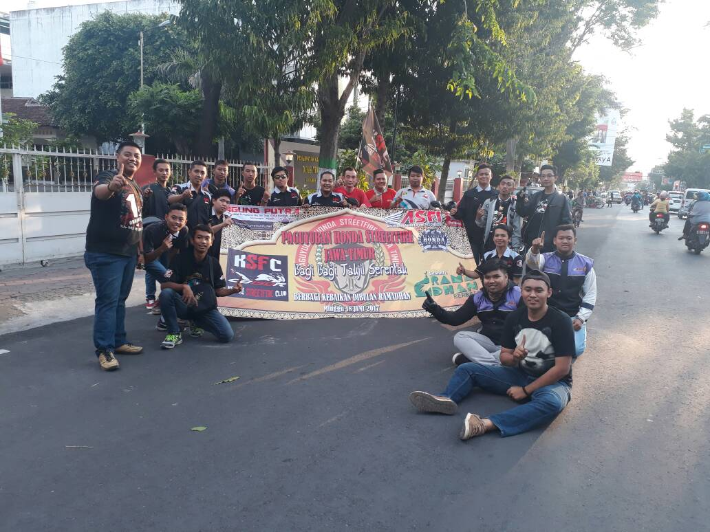 CSR  Bersama  APM, Kediri Street Fire Club (KSFC)  Lakukan Bagi Takjil Gratis (26).jpg