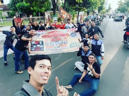 CSR Bersama APM, Kediri Street Fire Club (KSFC) Lakukan Bagi Takjil Gratis (28)