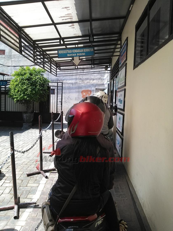 Drive Thru Samsat Katang, Heregistrasi STNK Cukup 5 Menit, di Jamin Beres! (4).jpg