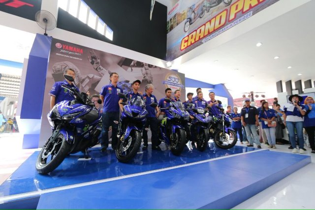 Kelir Baru, Yamaha Rilis 5 Motor Baru Dengan Grafis Movistar Yamaha MotoGP di Jakarta Fair 2017