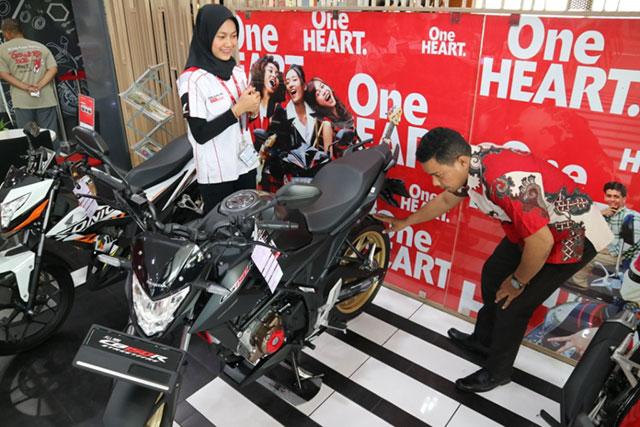 Laris Manis, CB150R StreetFire Sumbang 54℅ Jualan Motor Sport Honda