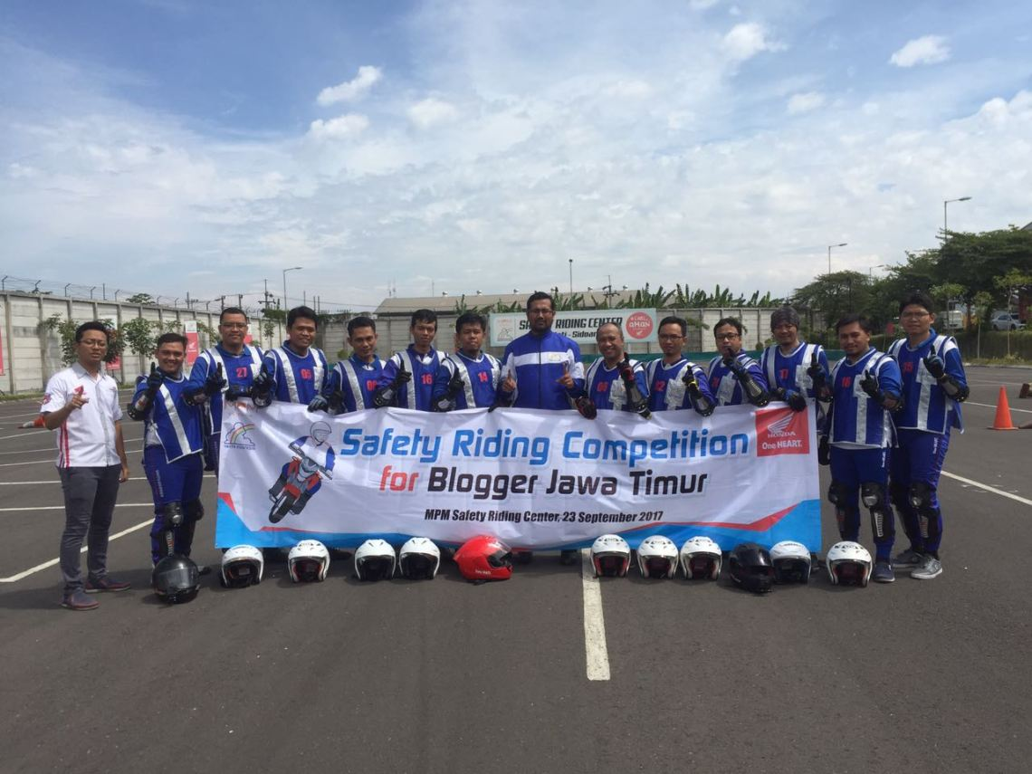 ​Perdana, MPM Gelar Kompetisi Safety Riding For Blogger Jatim, Seru Mas bro! (2)