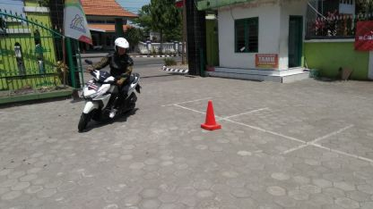 Kampanye #Cari_Aman, MPM Honda Jatim Gelar Safety Riding di DEPAG Kota Kediri (2)