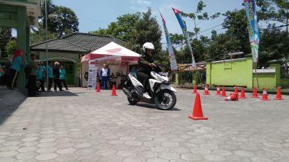 Kampanye #Cari_Aman, MPM Honda Jatim Gelar Safety Riding di DEPAG Kota Kediri (3)