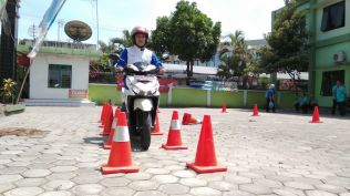 Kampanye #Cari_Aman, MPM Honda Jatim Gelar Safety Riding di DEPAG Kota Kediri (4)