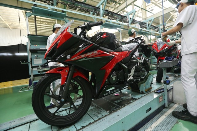AHM Segarkan Tampilan New Honda CBR150R Tahun 2018 (2)