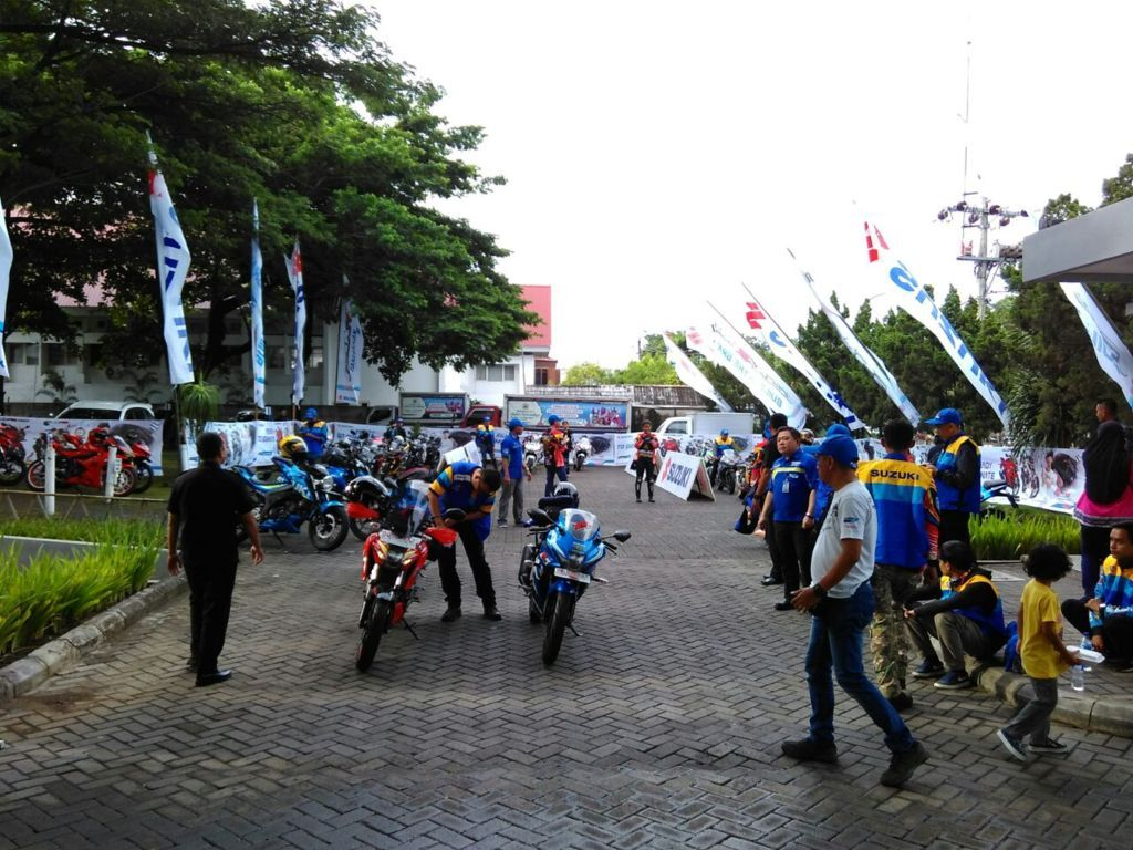 Kampanyekan Safety Riding, Komunitas Suzuki GSX150 ngeGass ke Toraja (2)