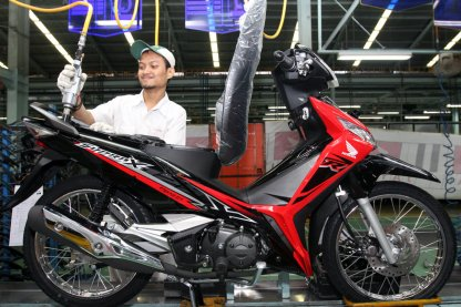 AHM Hadirkan 2 Pilihan Warna Baru Honda Supra X 125 FI Tahun 2018 (1)