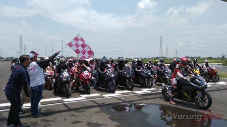 Ratusan Bikers Meriahkan MPM Track Day Honda CBR 2018 di Sirkuit Gelora Bung Tomo, Surabaya (1)