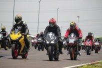 Ratusan Bikers Meriahkan MPM Track Day Honda CBR 2018 di Sirkuit Gelora Bung Tomo, Surabaya (2)