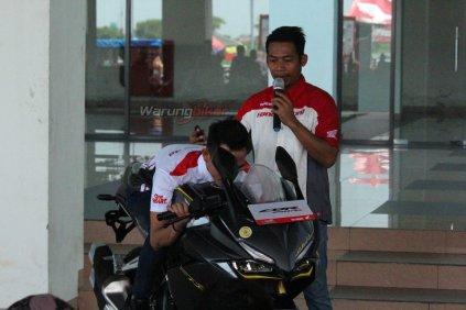 Ratusan Bikers Meriahkan MPM Track Day Honda CBR 2018 di Sirkuit Gelora Bung Tomo, Surabaya (4)