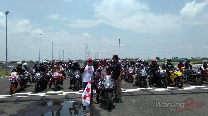 Ratusan Bikers Meriahkan MPM Track Day Honda CBR 2018 di Sirkuit Gelora Bung Tomo, Surabaya (6)