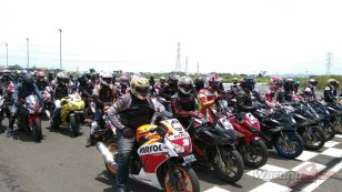 Ratusan Bikers Meriahkan MPM Track Day Honda CBR 2018 di Sirkuit Gelora Bung Tomo, Surabaya (8)