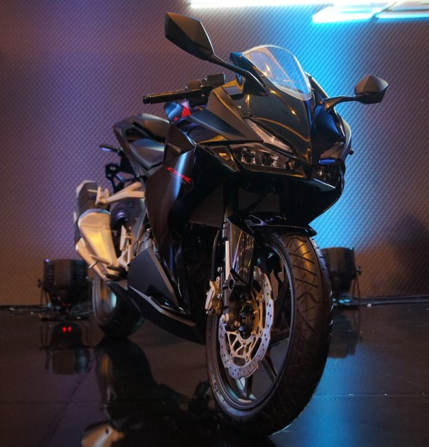 Honda CBR250RR Black Freedom