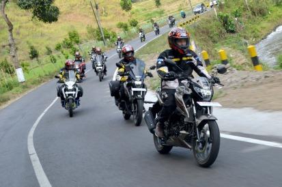 Baru Rilis, Suzuki GSX150 Bandit Sudah Diajak Touring Surabaya – Bandung! (7)