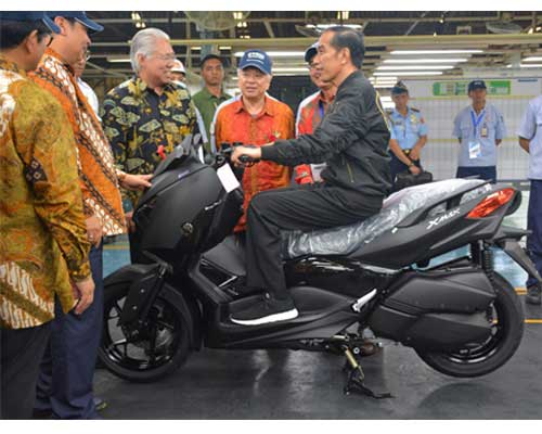 Berkunjung ke Yamaha, Ini Kegiatan Presiden Jokowi di Pabrik