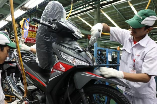 2 Warna Baru Honda Supra X 125 FI 2019