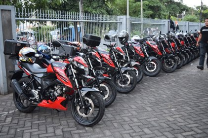 Pemilik & Komunitas Suzuki Surabaya Antusias Ikuti Saturday Night Ride (5)