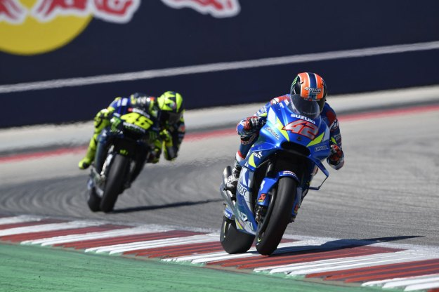 Suzuki Antarkan Alex Rins Raih Juara Seri MotoGP Amerika 2019 (2)