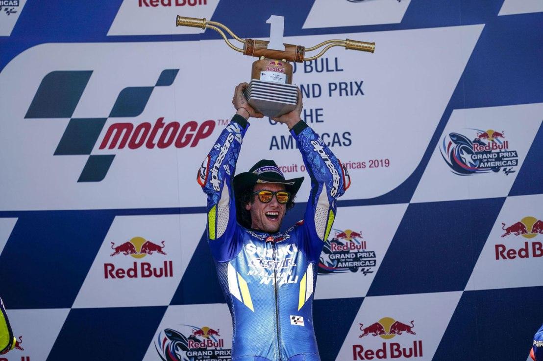 Suzuki Antarkan Alex Rins Raih Juara Seri MotoGP Amerika 2019 (3)