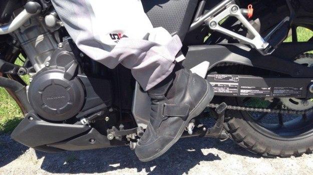 Tips Memilih Sepatu Riding Yang Aman