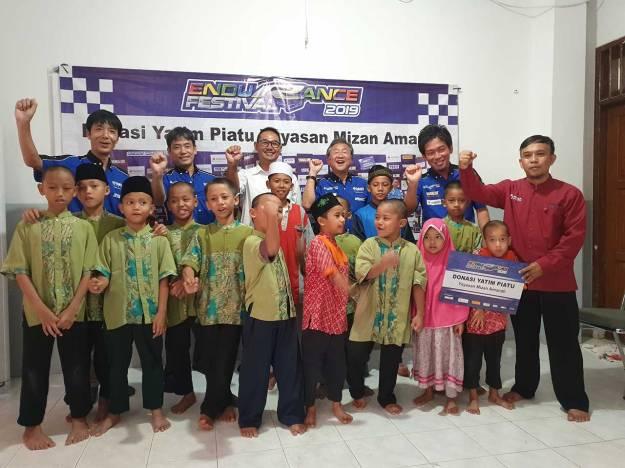 Peduli Sesama, Yamaha Racing Indonesia dan Media Donasikan Hadiah Balap Ketahanan untuk Anak Yatim Piatu.jpg
