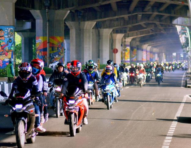 "Ribuan Bikers Suzuki Jadi Saksi Deklarasi Komunitas ""COSMIC"" (2)"